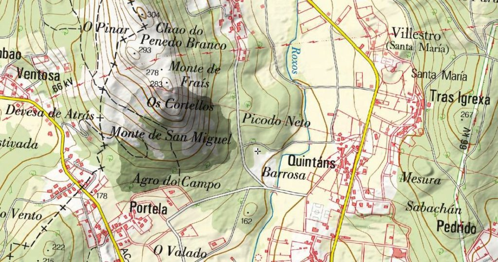 Zona afectada polo lume en Villestro, Santiago, que afectou a varios petróglifos / A Rula