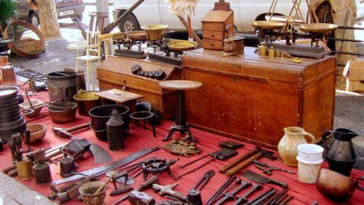 Antigüidades, exposicións con pezas do XVII e ruta en Vespa, oferta do turismo histórico na Pontenova