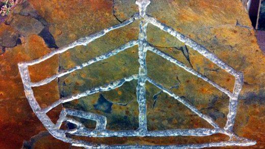 Visita nocturna a un barco de hai 4.000 anos