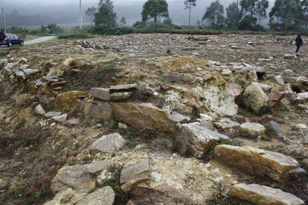 A Roda, henge atopado en Barreiros en 2006 / Elixio Vieites-Patrimonio Galego