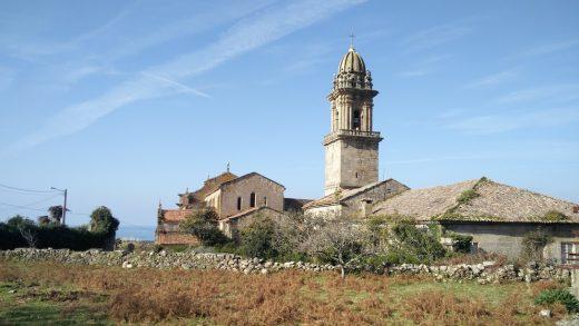 O Mosteiro de Oia, de fortaleza contra os piratas a campo de concentración