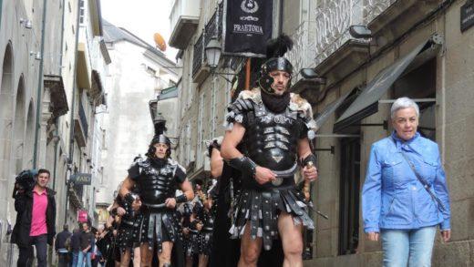 A Garda Pretoriana desfila por Lugo