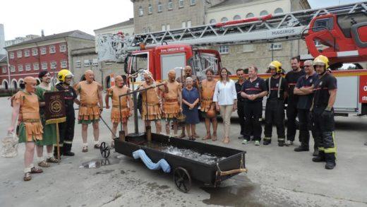 Un carro de bombeiros da antiga Roma… En Lugo