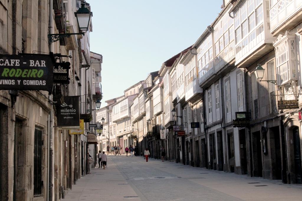 O turismo afoga os barrios hist ricos de compostela for Oficina correos santiago de compostela
