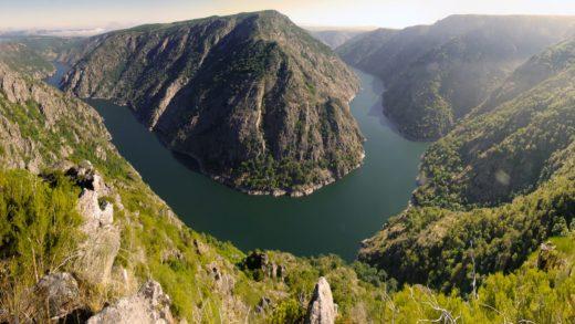 Unha tirolina turística podería cruzar o canón do Sil na Ribeira Sacra