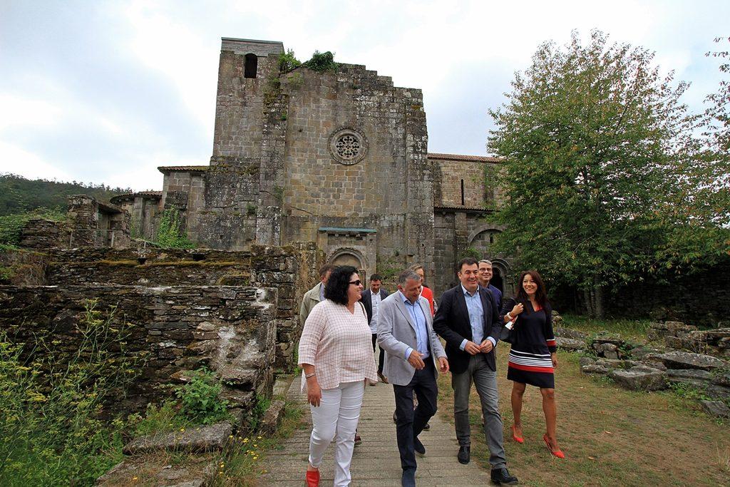 O conselleiro de Cultura no Mosteiro de Carboeiro / xunta.gal