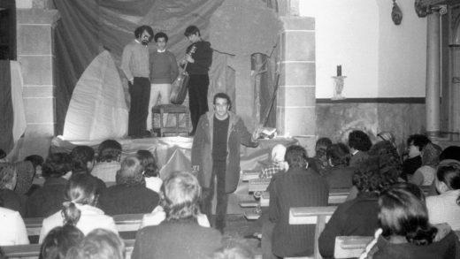 Moncho Valcarce na súa igrexa / Irmandade Moncho Valcarce