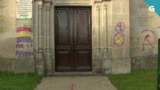 Investigan un novo atentado contra o patrimonio eclesiástico con pintadas provocadoras no aniversario da II República