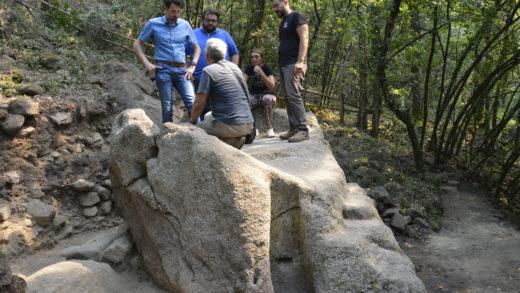 Lagar rupestre atopado no castro de Santa Lucía, en Castrelo do Miño / Uvigo