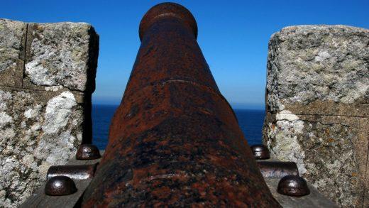 Ferrol restaura dous canóns do século XVIII